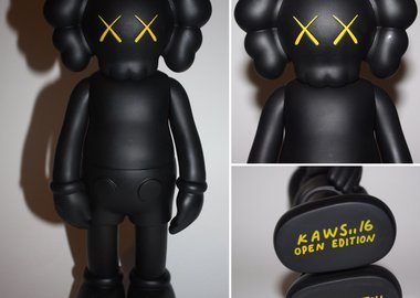 KAWS  - Companion Full Bodied (Black)