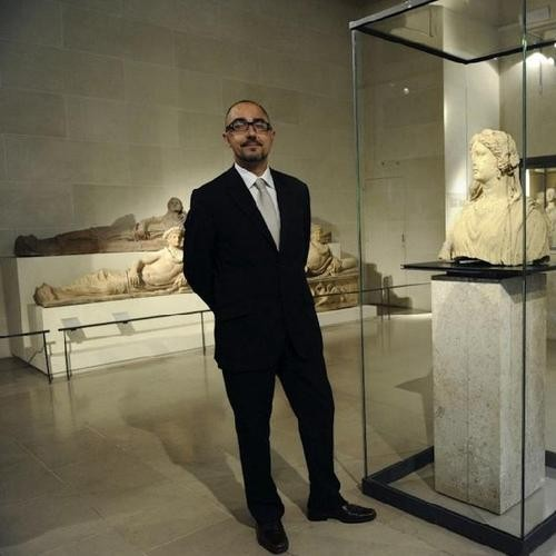 Louvre Goes Old School With Choice of New Director