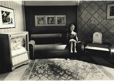 Laurie Simmons - Woman Listening to the Radio