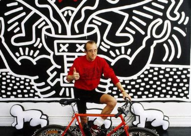 Thomas Hoepker - USA. New York City. 1986. Graffiti artist Keith Haring