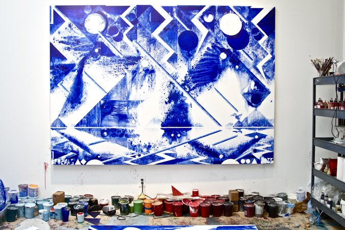 Blue painting solo