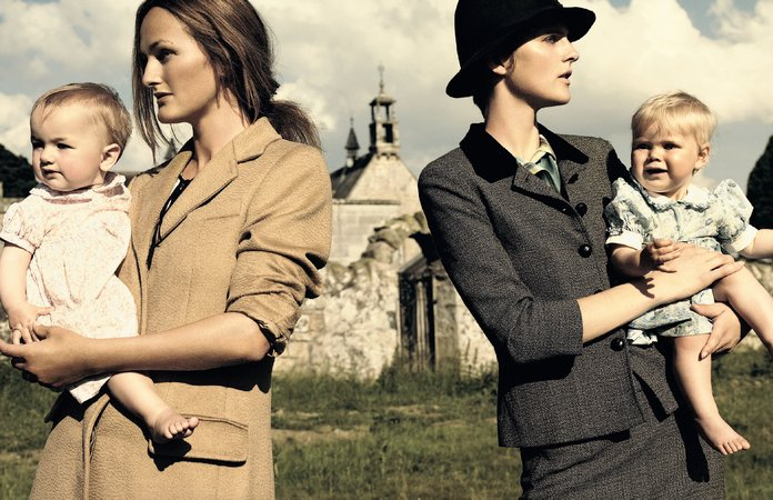 Mario Testino, Stella Tennant in Anne Klein and Isabella Campbell, Lady Cawdor, in Max Mara. Scotland, October 2005