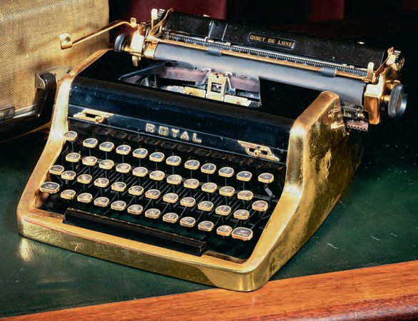 Royal Quiet De Luxe portable typewriter (once belonging to Ian Fleming), c.1952