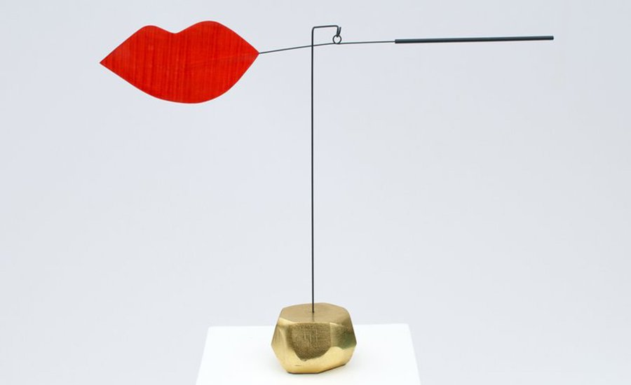 Steal the Deal with a Kiss: 4 Reasons to Collect Karolina Maszkiewicz's 'Besos'