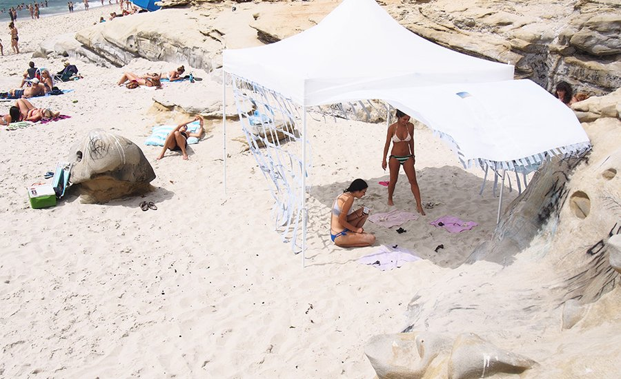 Q&A: Morgan Mandalay's SPF15 Gallery Avoids Gentrification By Hosting Exhibitions on Public Beaches