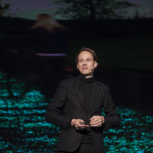 Daan Roosegaarde's Artworks Posit a Cleaner Future