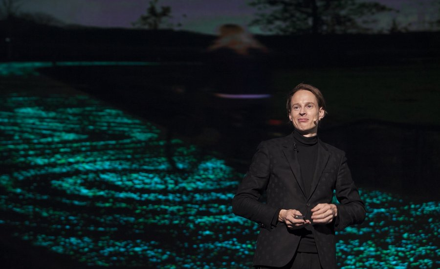 """We Have an Obligation to Be Positive"": Daan Roosegaarde's Environmentally-Driven Artworks Posit a Cleaner Future"