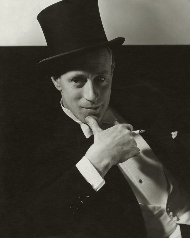 Edward Steichen, Cecil Beaton, and Anton Bruehl, Five Limited Edition Portraits from the archives of Vanity Fair - Leslie Howard by Edward Steichen