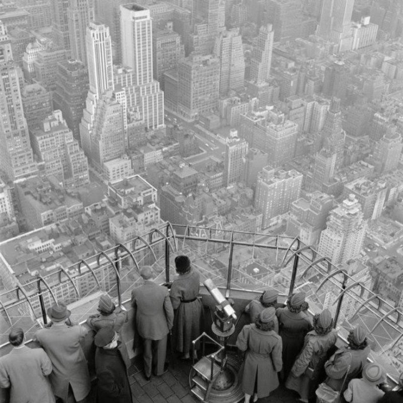 main work - George Rodger, New York City. The Empire State Building. The observatory on the 86th floor. 1950.