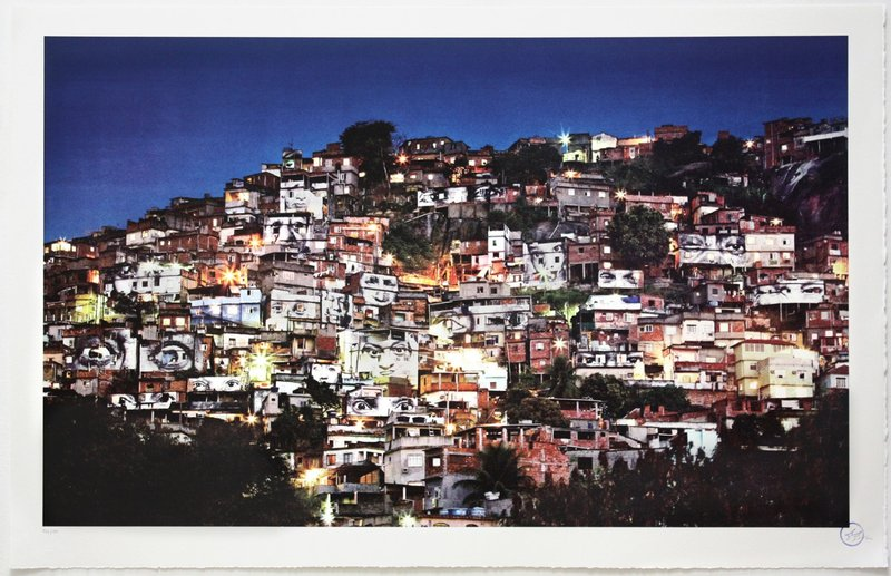 by jr - Action dans la favela Morro da Providencia, Nightview