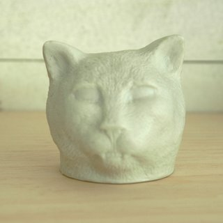 Kiki Smith, Cat