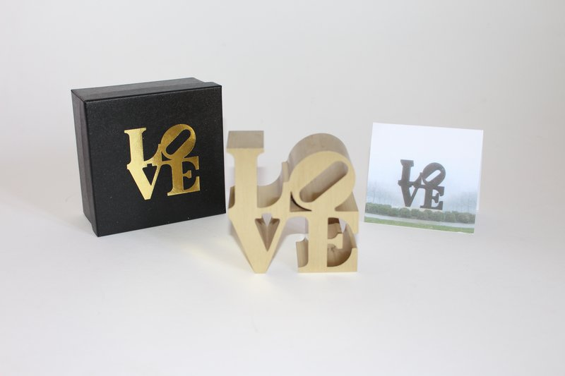Robert Indiana, LOVE (IMA) - LOVE (Gold)