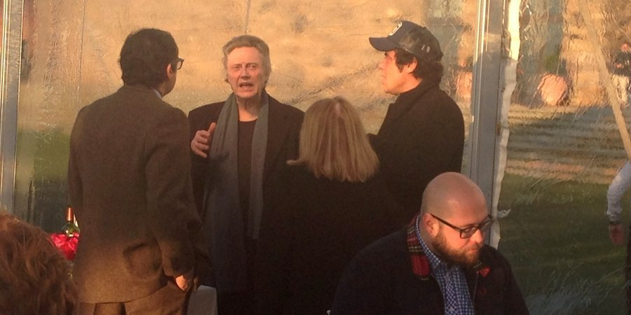 Christopher Walken and Benicio del Toro chat with Peter Brant at the Schnabel opening