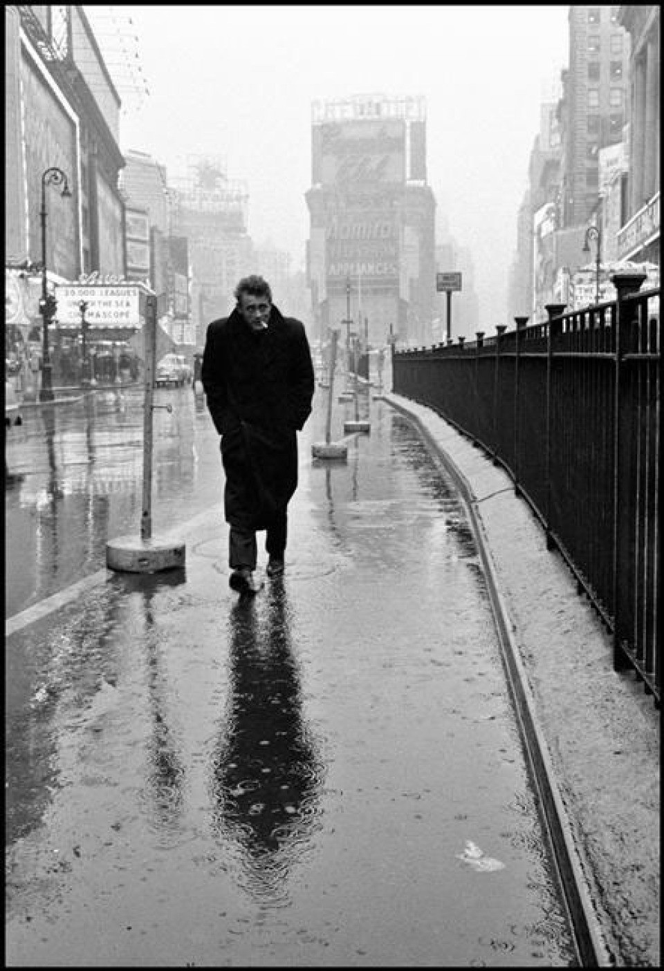 James Dean op Times Square in 1955
