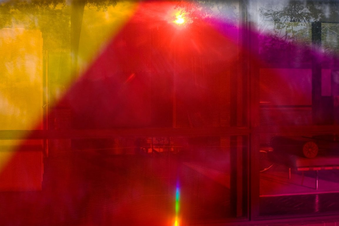 main work - James Welling, 9818 (Glass House)