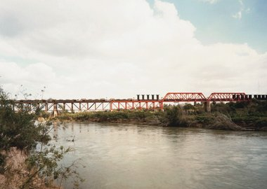 Victoria Sambunaris - Untitled, (Trains crossing the Rio Grande) Laredo, Texas